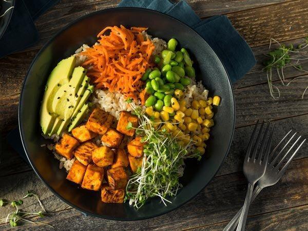 8 ماده غذایی مهم و حیاتی برای کسانی که گوشت نمی خورند
