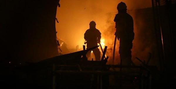 آتش سوزی در کارخانه قیر در رباط کریم